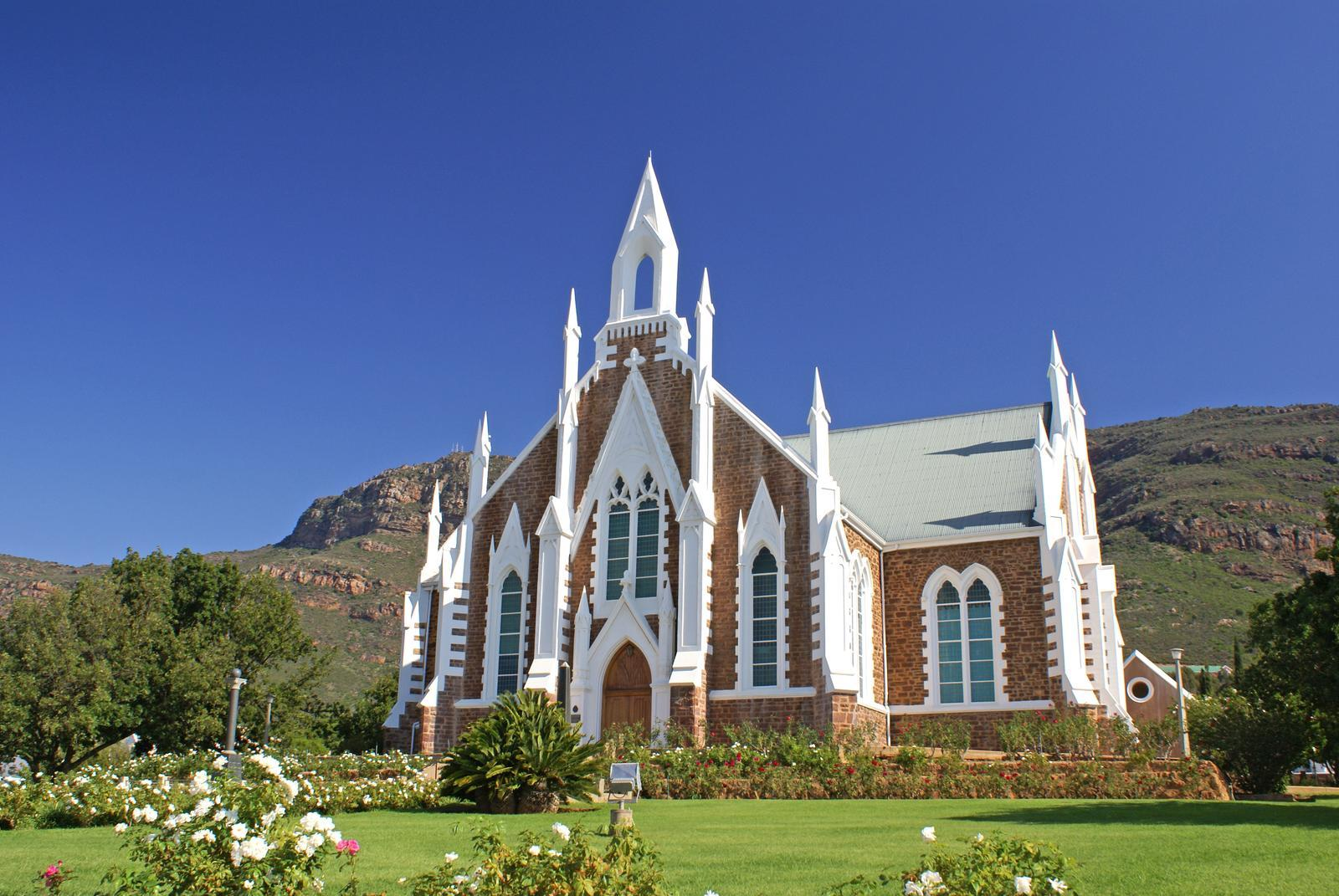 http://ministry-of-defense.com/wp-content/uploads/2014/11/Church_of_piketberg.jpg